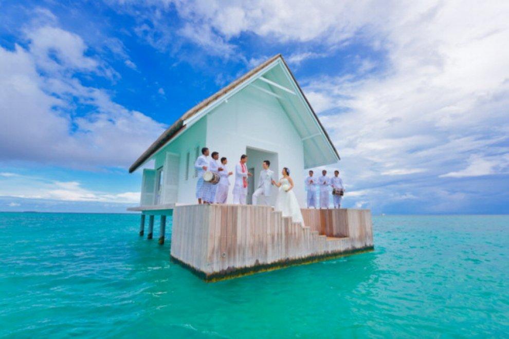 Maldive Nozze In Mezzo Al Mare La Chiesa Circondata