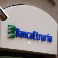 Pensionato suicida, perquisizioni a Banca Etruria. Indagini anche per truffa