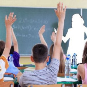 Scuola, firmato il decreto per pagare i supplenti