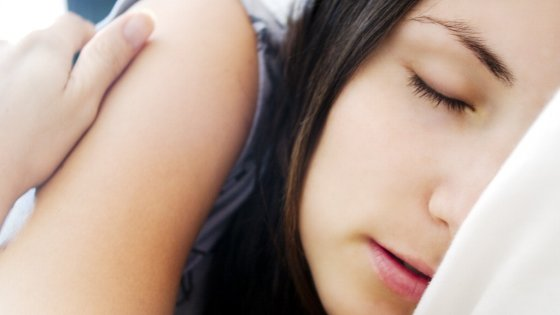 """Dormiamo meno, ma meglio: ecco come siamo diventati """"super sleeper"""""""
