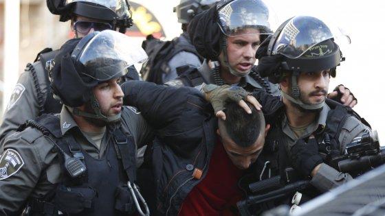 Gerusalemme, altri palestinesi uccisi dopo assalti. Oltre 150 morti nell'intifada dei coltelli