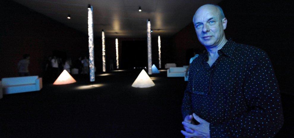 """Brian Eno, un libro per definirlo: """"Sono un artista perché non avrei avuto un lavoro"""""""