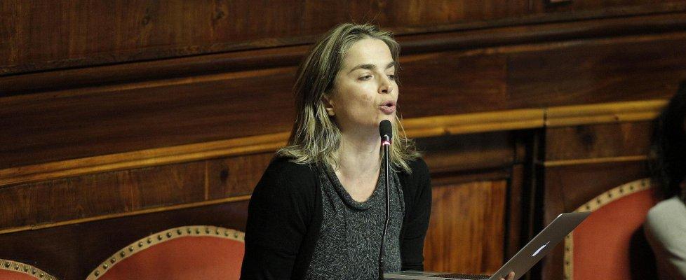 """""""Non ha restituito stipendio"""", M5s espelle Fucksia. Lei: """"Grillo fuori controllo"""""""