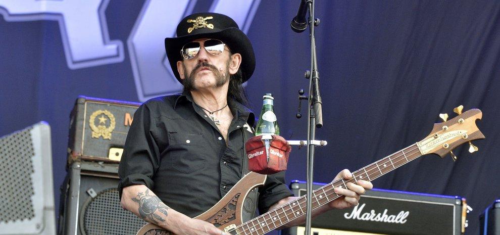 """È morto Lemmy Kilmister dei Motorhead. """"La band è finita"""", annuncia il batterista"""