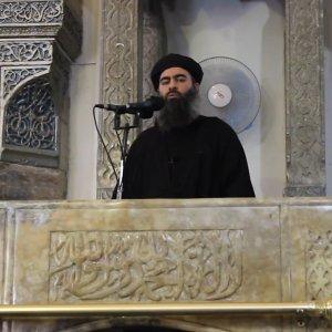 """""""Niente sesso con le schiave sessuali se..."""": l'atroce fatwa dello Stato Islamico reinterpreta la Sharia"""