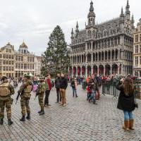 Allarme terrorismo, Capodanno blindato in Europa e negli Usa