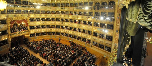 Capodanno alla Fenice  Dirige James Conlon  /    Video