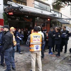 Israele, arabo israeliano spara nel pub a Tel Aviv: due morti e sette feriti