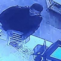 Tel Aviv, il killer a volto scoperto prima dell'attentato al pub Hasimtà