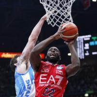 Basket, serie A: Milano schianta Sassari, ora è sola al comando