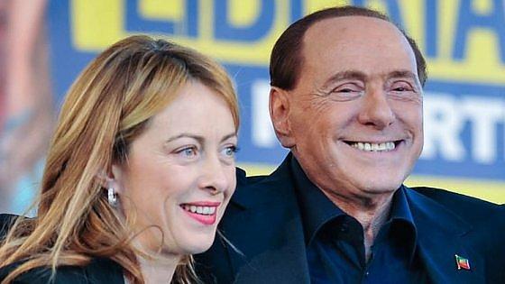 """A picco nei sondaggi, Forza Italia tentata dal ritiro del simbolo: """"Solo liste civiche"""""""