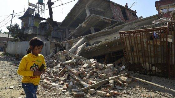 India, sisma del 6,7 al confine con la Birmania: nove morti e ingenti danni