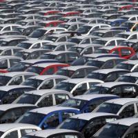 Auto, vendite sprint nel 2015 in Francia e Spagna
