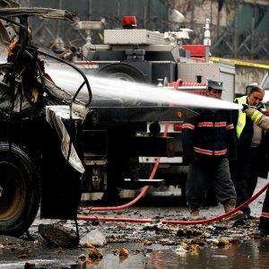 Afghanistan, attentato suicida all'aeroporto di Kabul