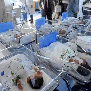 """Beatrice Lorenzin: """"Basta morti di parto, chi ha sbagliato paghi, ora nuove linee guida per le donne incinte"""""""