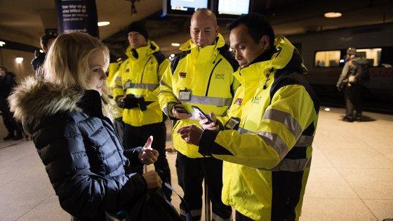 Ue, in Svezia e Danimarca tornano controlli alla frontiera. Berlino: Schengen in pericolo