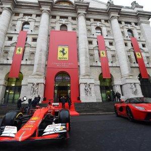 Prove di allungo in Borsa per Ferrari e Fca