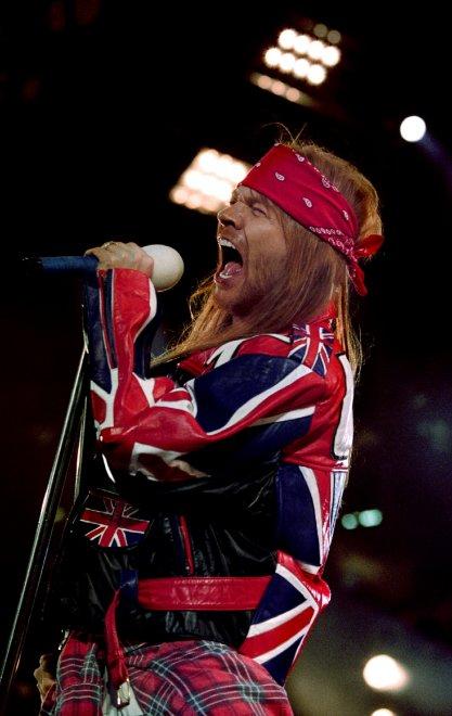 Slash torna con i Guns N' Roses al Coachella Festival. Ma Axl Rose al primo appuntamento tv da forfait