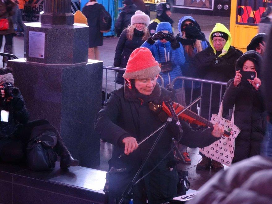 New York: concerto ''per cani'' di Laurie Anderson