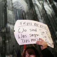 Colonia, donne in piazza contro abusi: