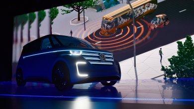 Sorpresa Volkswagen: ecco Budd-e /   Foto        versione elettrica e digit del mitico Kombi