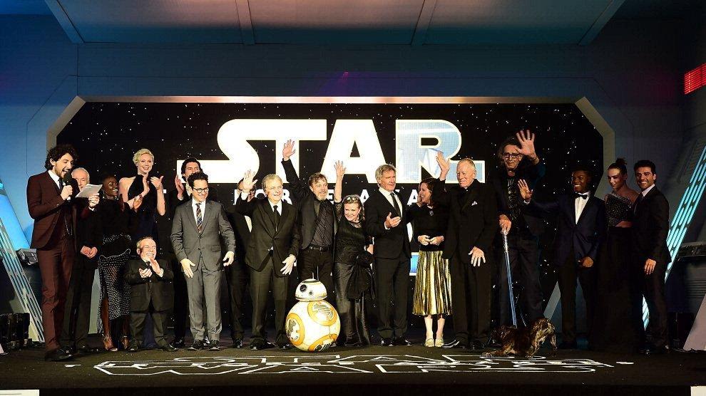 """Incassi Nord America, è record: """"Star Wars - Il risveglio della Forza"""" supera """"Avatar"""""""