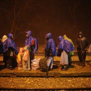 """Migranti, Juncker: """"Schengen deve essere salvato, basta controlli frontiere"""""""