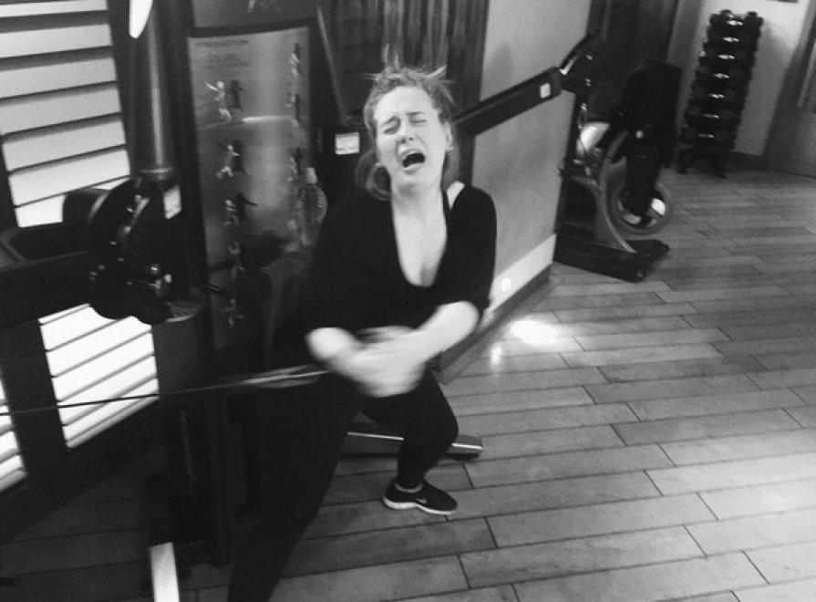 """""""In palestra, che fatica"""": l'ironia social di Adele"""