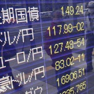 Tregua sulle Borse cinesi. Bene il lavoro Usa, ma le Borse Ue cedono ancora