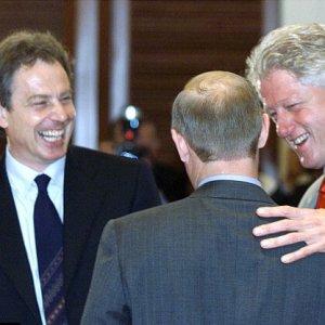 Quando Clinton si offriva come baby-sitter per i figli di Blair