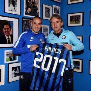 Inter, Palacio rinnova: ''Anche da fuori do una mano''