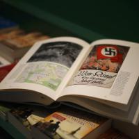 Germania, dopo 70 anni torna in libreria il Mein Kampf di Hitler