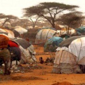 Kenya, epidemia di colera nel campo di Dadaab. Dieci morti tra i profughi somali