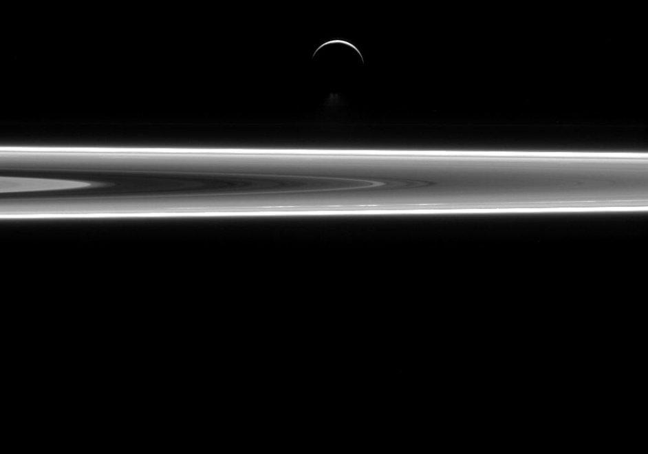 """Un anno col """"Signore degli anelli"""". Le più belle foto di Cassini nel 2015"""