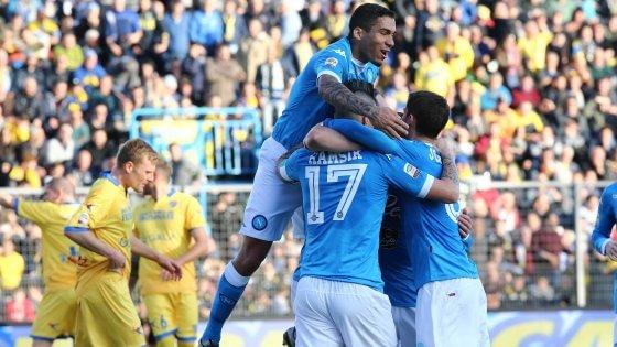 Frosinone-Napoli 1-5: pokerissimo al Matusa, azzurri campioni d'inverno