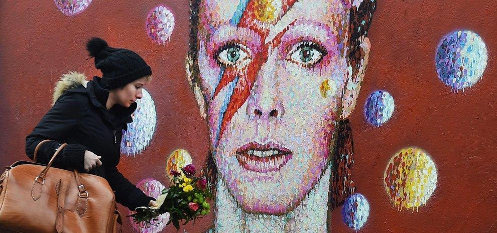 Addio Bowie, il mondo piange la star del rock