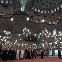 Istanbul, da Obama alla Merkel: leader in visita alla Moschea Blu
