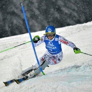 Sci, slalom Flachau: vince Zuzulova, Curtoni nona
