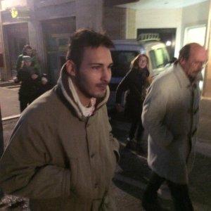 Perugia: donna uccisa in casa, il figlio resta in cella