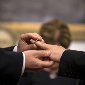 """Unioni civili, emendamento """"cattodem"""" per affido rafforzato. Contrattacco dei deputati ex Sel"""