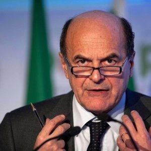 """Pierluigi Bersani: """"Stretta sull'utero in affitto senza cambiare la legge, così teniamo unito il Pd"""""""