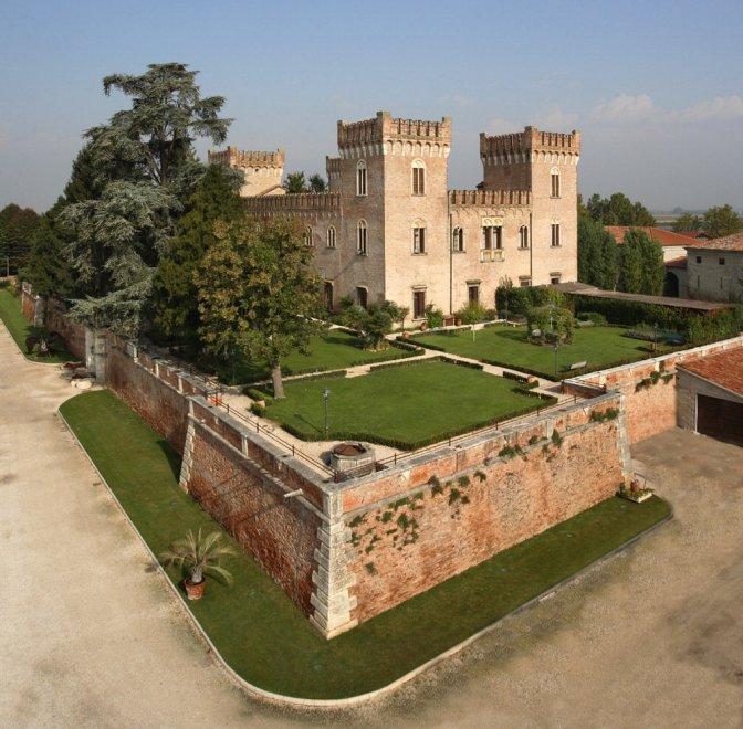 Notti da favola: dal Veneto alla Sicilia dove dormire in un castello ...