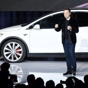 Pirelli incanta Tesla: Scorpion Zero Asimmetrico per Model X