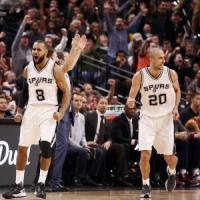 Basket, Nba: San Antonio implacabile in casa, super Butler trascina Chicago