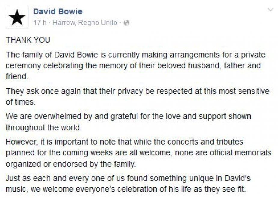 """Bowie, la famiglia rompe il silenzio su Fb: """"Faremo una cerimonia privata"""""""