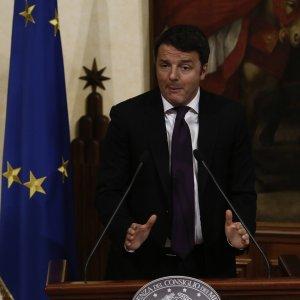 """Renzi: """"Licenziamenti in 48 ore per i fannulloni della P.a."""""""