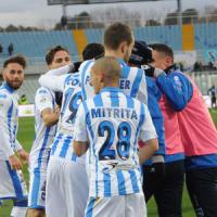 Serie B, il Pescara sale al terzo posto. L'Avellino vince il derby