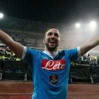 Napoli-Sassuolo 3-1: Higuain inarrestabile, gli azzurri entusiasmano
