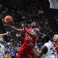 Basket, serie A: Milano doma Trento e resta in testa, ma perde di nuovo Gentile