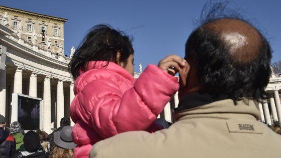 """Giubileo dei migranti, papa Francesco: """"Non fatevi rubare la speranza"""""""